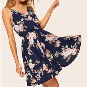 Dresses & Skirts - HP! Adorable NWT navy blue floral dress